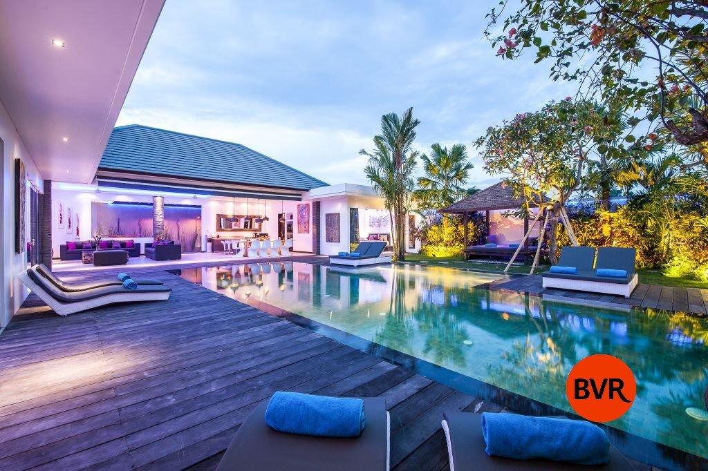 Great Location 4 Bedroom Villa For Sale In Canggu