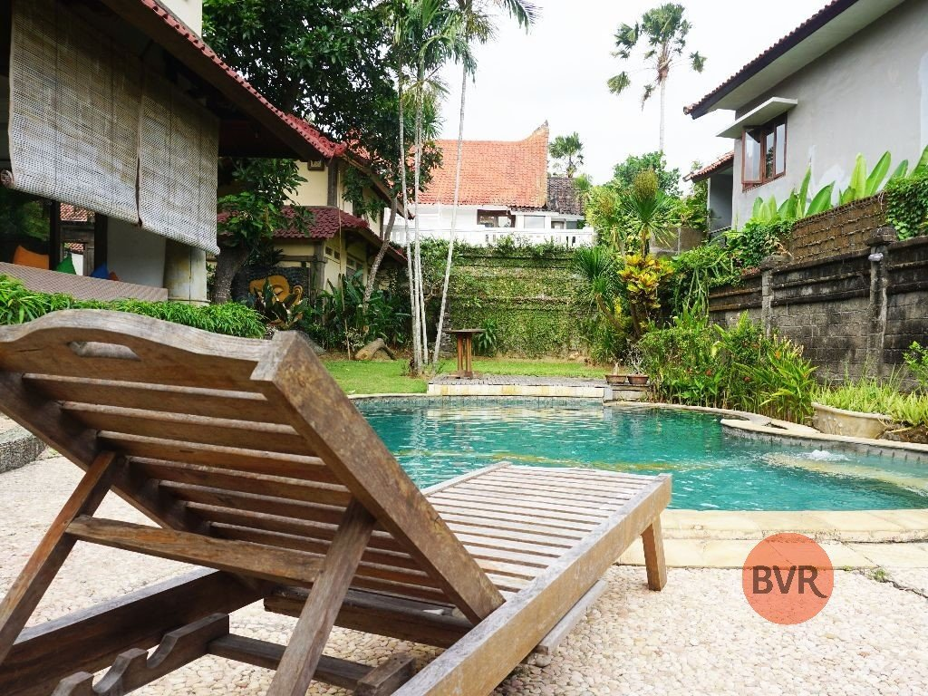 4 BEDROOM VILLA WITH BIG POOL AND GARDEN FOR RENT IN UMALAS