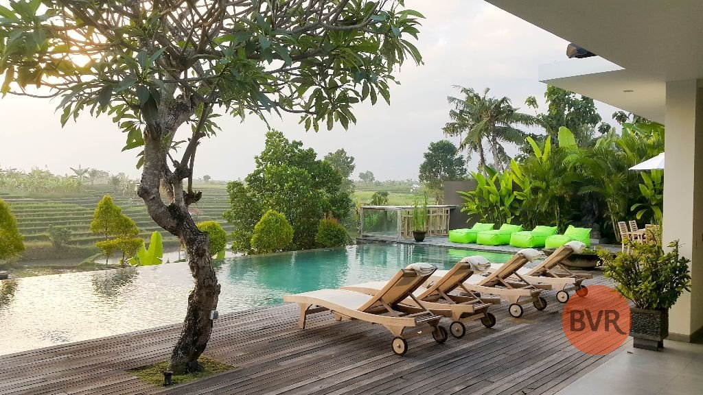 3 BEDROOM LUXURY VILLA WITH RICE FIELD SUNSET VIEW FOR SALE IN CANGGU