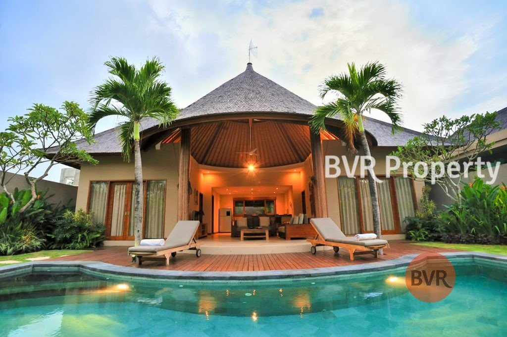 2 Bedroom Full Furnished Villa With Lush Gardens For Rent In Umalas