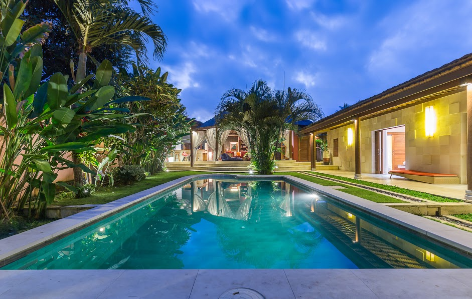 FULL FURNISHED CONTEMPORARY TWO VILLAS FOR SALE IN CANGGU