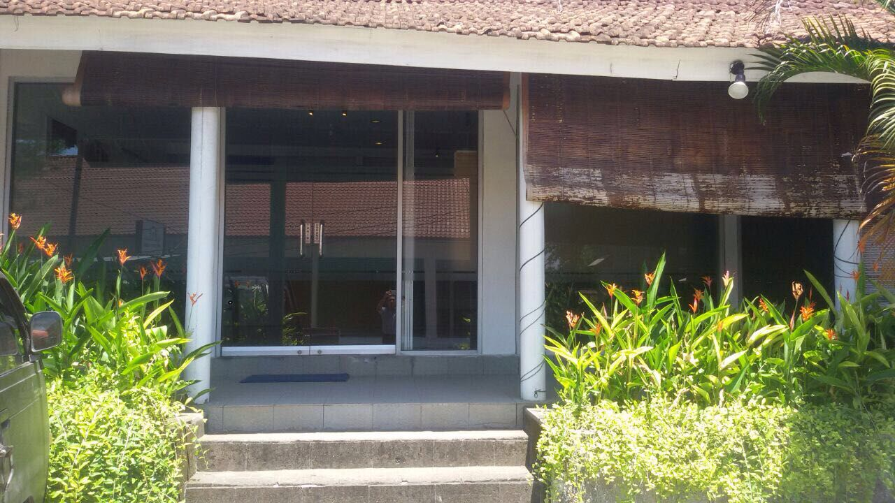 COMMERCIAL SPACE WITH GOOD LOCATION FOR SALE IN KEROBOKAN