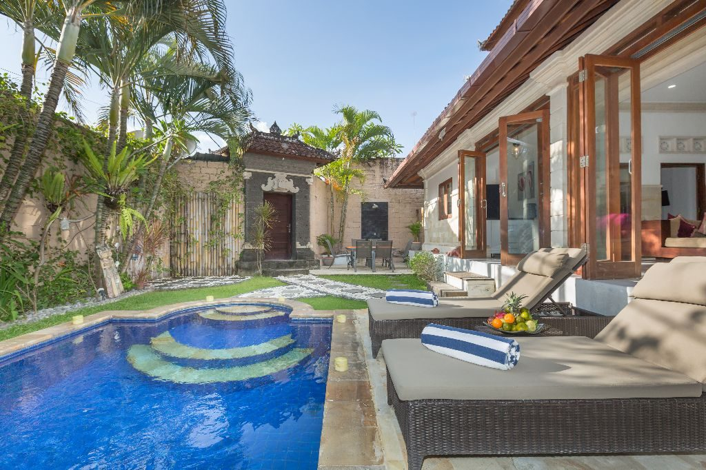 3 BEDROOM BALI VILLAS FOR SALE IN THE HEART OF SEMINYAK