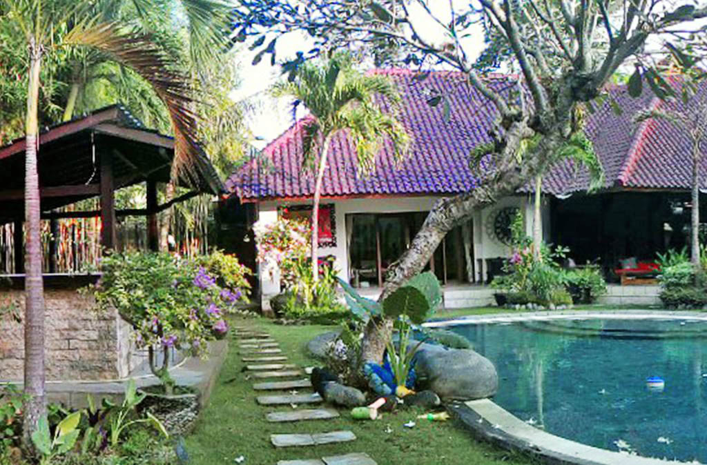 Huge 3 Bedroom Villa With Private Garden For Sale In Umalas