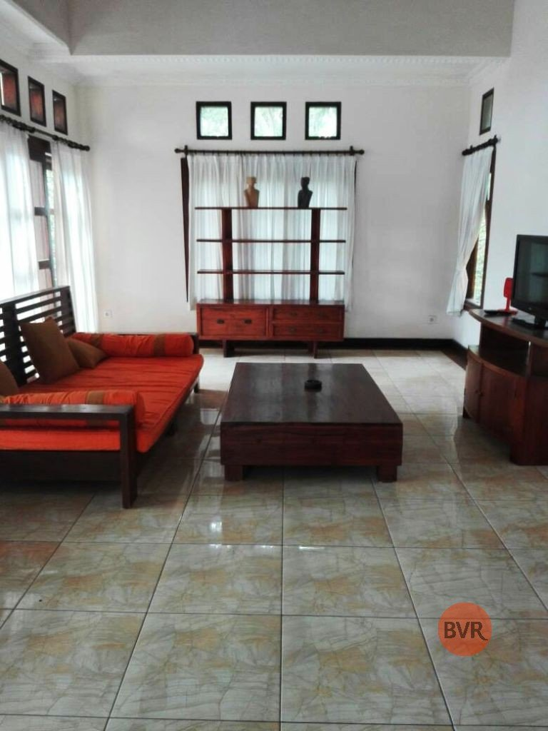 3 BEDROOM PRIVATE POOL VILLA WITH FABULOUS GARDEN FOR RENT IN NUSA DUA