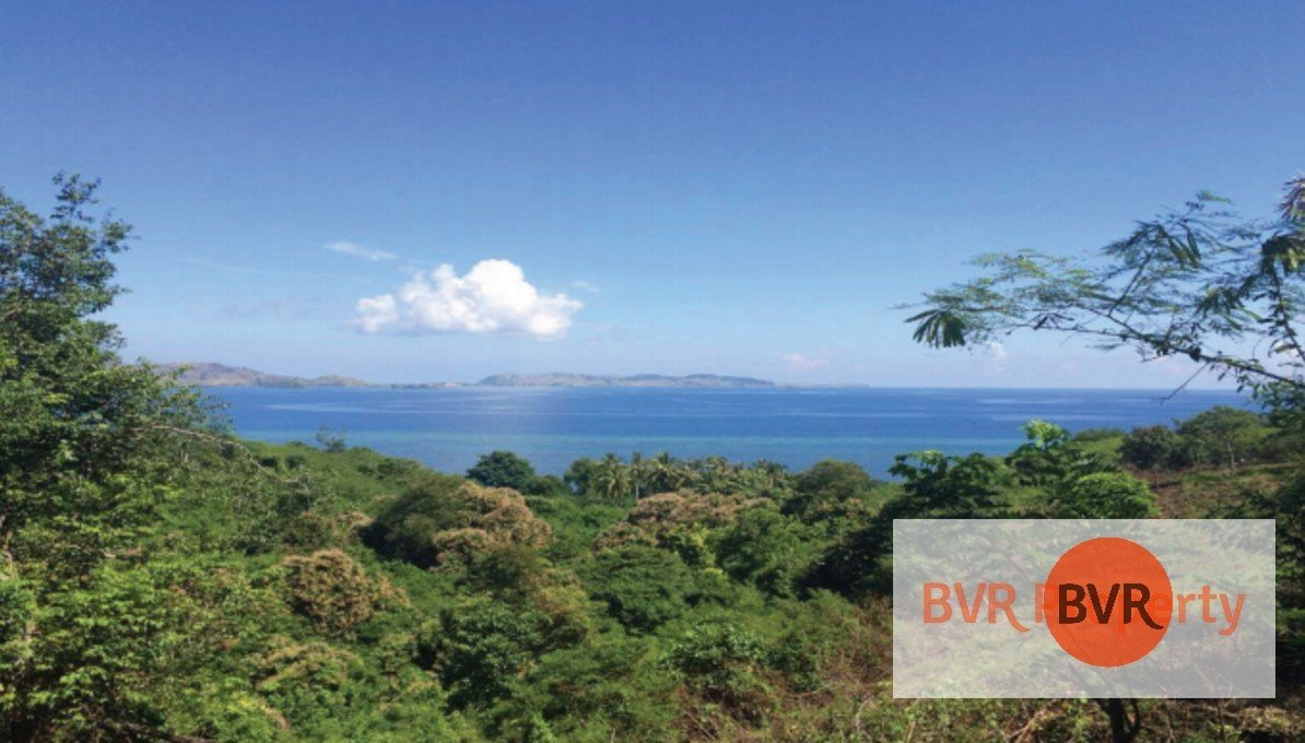 SPECTACULAR LAND CLIFF FRONT VIEW IN FLORES