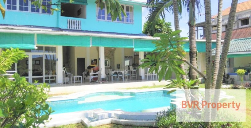 LARGE RENOVATED BALI PRIVATE VILLA WITH RICE FIELD VIEW