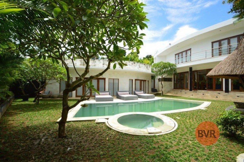Villa Menawan 4 Kamar Tidur Di Berawa