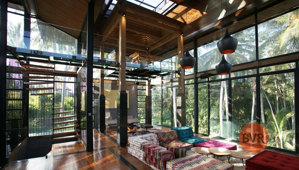 UNIQUE CONTEMPORARY HISTORICAL GLASS HOUSE IN UBUD FOR SALE