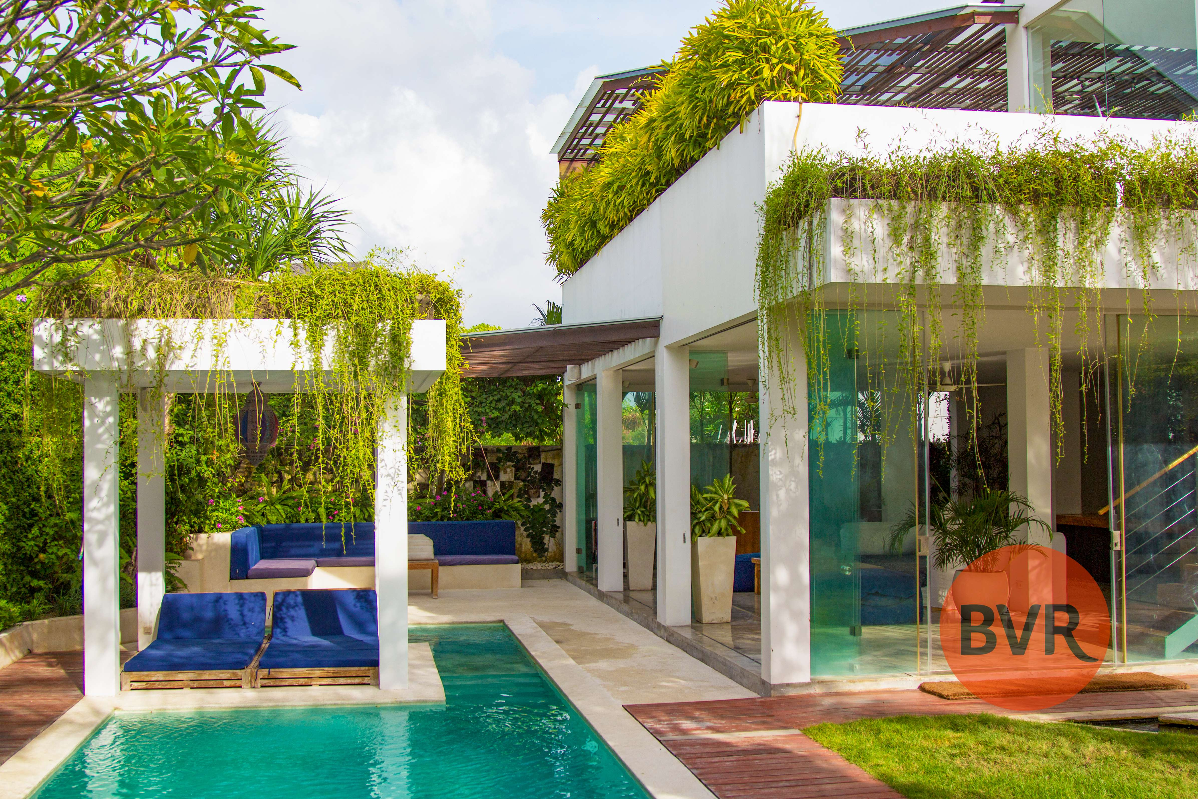 Luxurious  Bali Villa located in the heart of Canggu – Villa MiCasa.