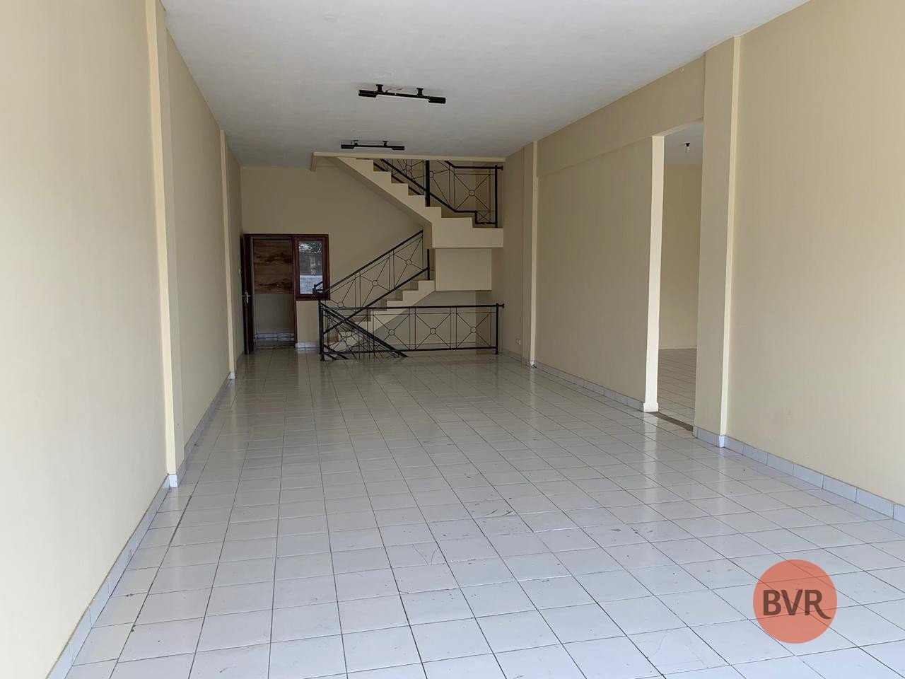 Bali Property Shop For Rent in Main Roadside of Sunset Road