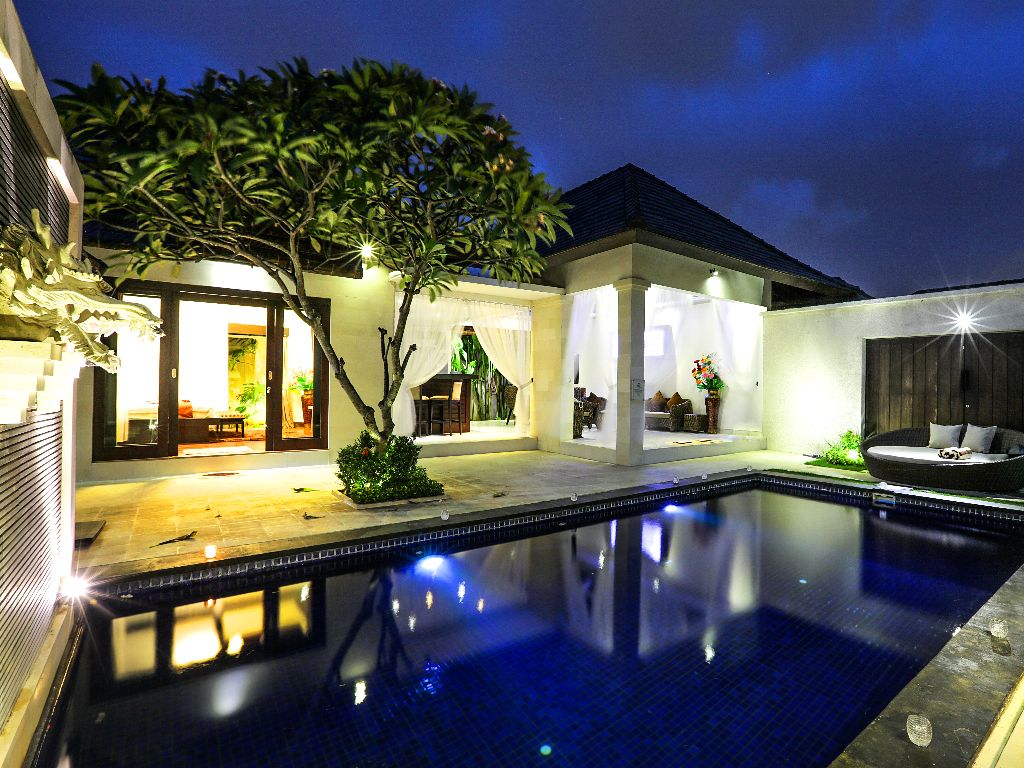 Versatile Villa Complex ROI Opportunity in Top Location Legian