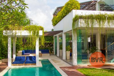 Villa mewah Bali terletak di jantung Canggu – Villa MiCasa.