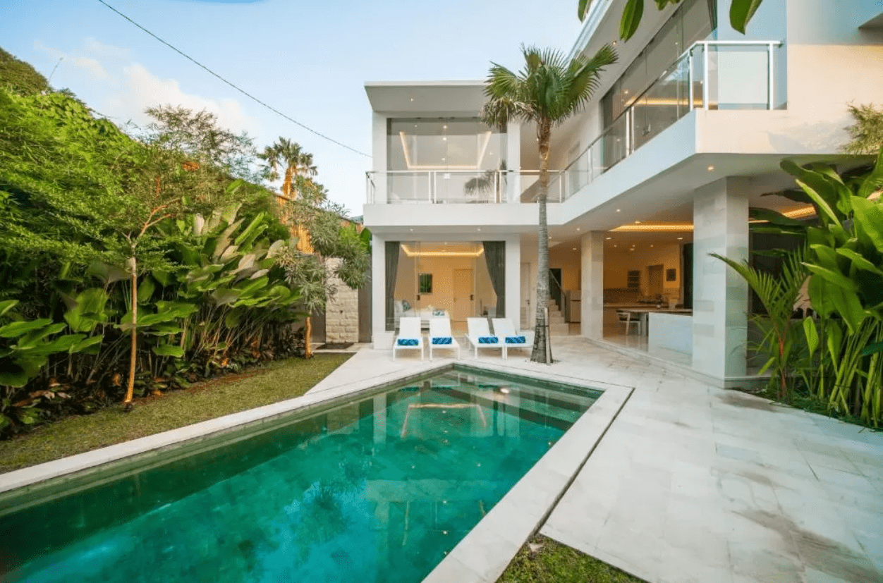 Gorgeous Modern Glass Villa Near with Double Six Beach For Lease